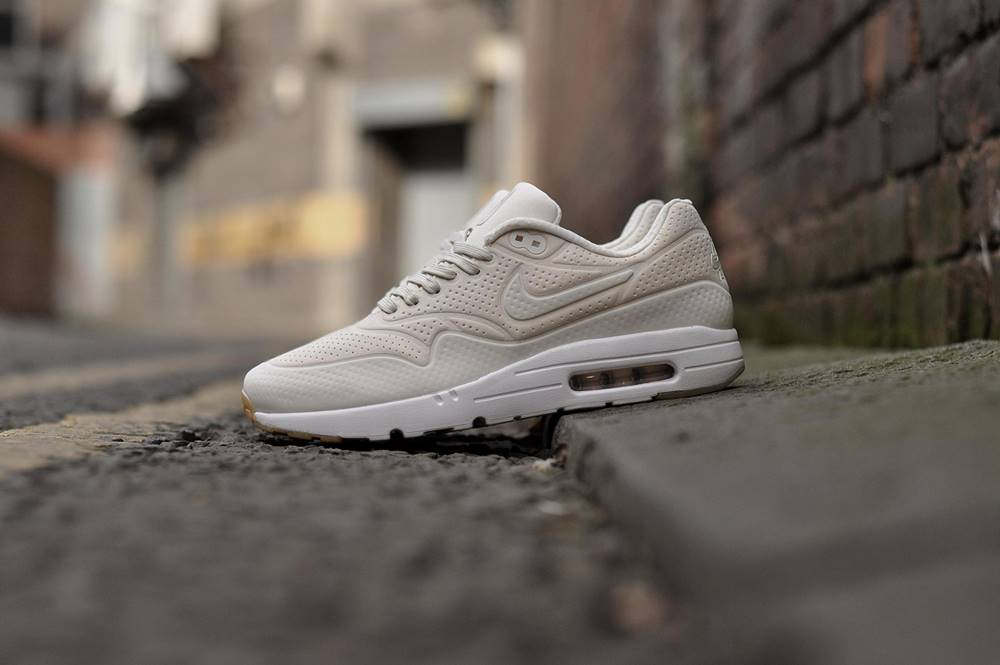 Images/Blog/5675241-sbs-nike-air-max-1-ultramoire-705297-009-11.jpg